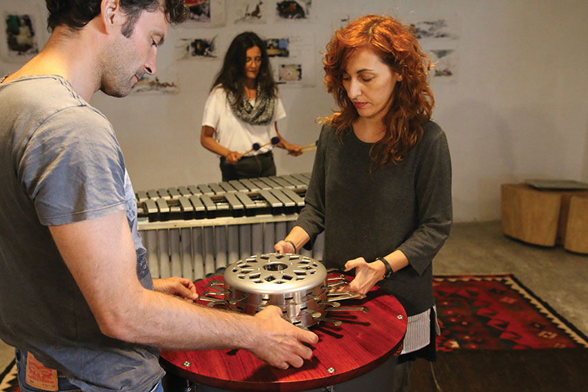 Uana is a contemporary musical instrument by Victor Gama.